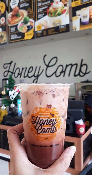 Foto 5 - Makanan(Chocolate Hazelnut Latte) di Honey Comb oleh Gembuli Tan
