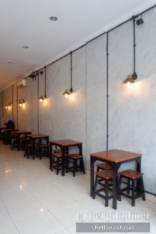 Foto 7 - Interior di Tempt Coffee Roaster oleh Shella Anastasia