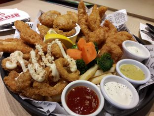 Foto review The Manhattan Fish Market oleh Anderson H. 2