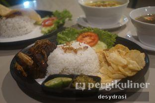 Foto 2 - Makanan di Black Butler Cafe - Hotel Sanira oleh Desy Mustika