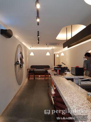Foto 7 - Interior di Routine Coffee & Eatery oleh UrsAndNic
