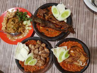 Foto 2 - Makanan di Warung Bu Kris oleh @Perutmelars Andri