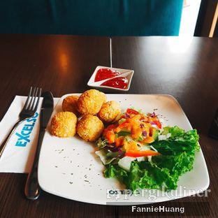 Foto 1 - Makanan di de' Excelso oleh Fannie Huang||@fannie599