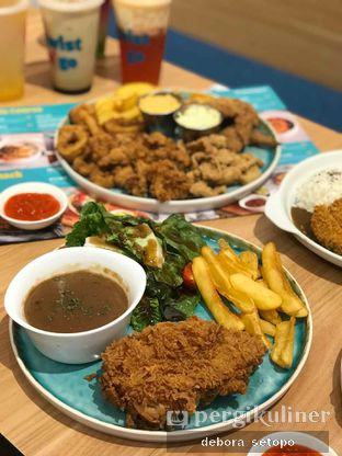 Foto 10 - Makanan(Enak) di Twist n Go oleh Debora Setopo