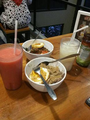 Foto 2 - Makanan(Nasi wagyu + milk drink) di Warunk UpNormal oleh yolandakusumaw