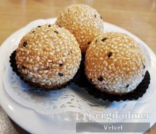 Foto 3 - Makanan(Onde-Onde Telur Asin) di Taipan Kitchen oleh Velvel