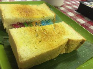 Foto 8 - Makanan di Dapoer Roti Bakar oleh Prido ZH