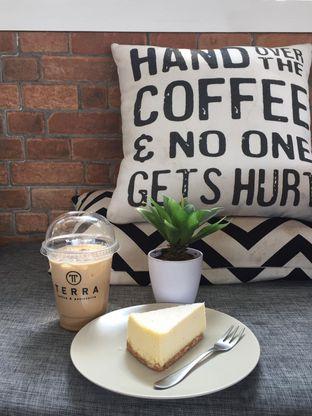 Foto 6 - Makanan di Terra Coffee and Patisserie oleh Prido ZH
