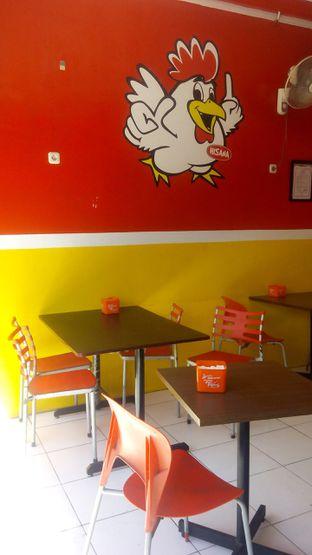 Foto 2 - Interior di Hisana Fried Chicken oleh Nena Zakiah