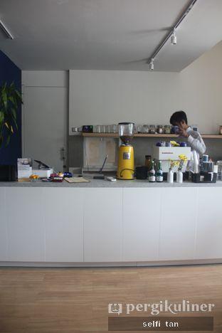 Foto 3 - Interior di Ardent Coffee oleh Selfi Tan