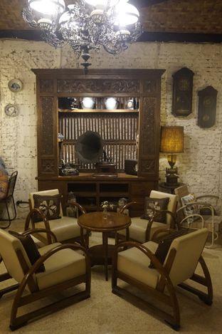 Foto 14 - Interior di Ol' Pops Coffee oleh yudistira ishak abrar
