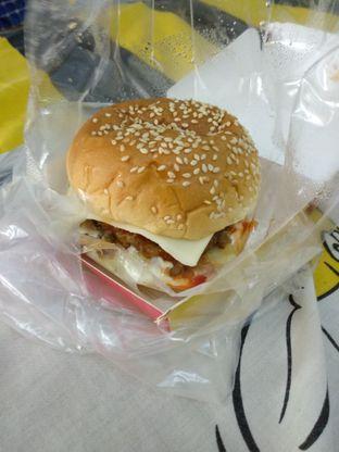 Foto - Makanan di Lemoe Burger oleh Eunice