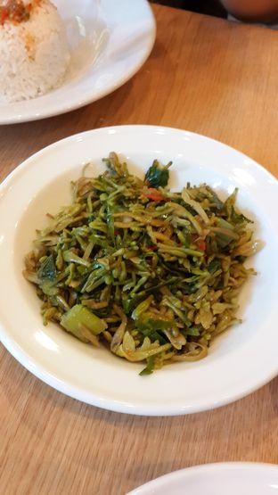 Foto 2 - Makanan(Sayur Bunga Pepaya) di Restoran Beautika Manado oleh Chrisilya Thoeng