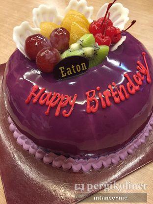 Foto 2 - Makanan di Eaton Bakery and Restaurant oleh bataLKurus