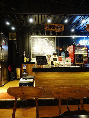 Foto 4 - Interior di Tamper Coffee oleh inggie @makandll