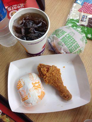 Foto - Makanan di McDonald's oleh Rurie