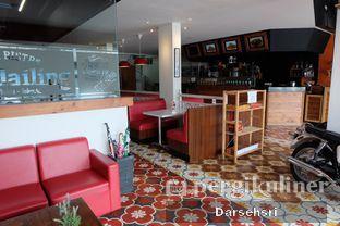 Foto 9 - Interior di Mandailing Cafe Bistro oleh Darsehsri Handayani