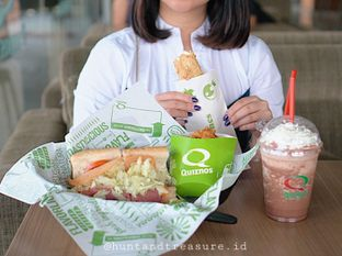 Foto 1 - Makanan di Quiznos oleh Huntandtreasure.id