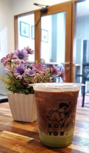 Foto 3 - Makanan(Es Cokelat Cha) di Kopi Yor oleh Christy Monica