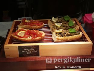 Foto 11 - Interior di The Kitchen by Pizza Hut oleh Kevin Leonardi @makancengli