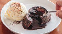 Lava Cake, menu rekomendasi di Kolibrew