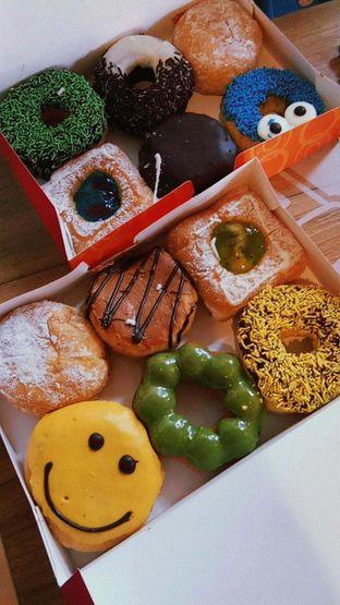Foto 4 - Makanan di Dunkin' Donuts oleh duocicip