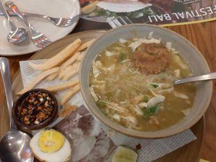 Foto 3 - Makanan(Soto Ayam Ambengan) di Sate Khas Senayan oleh Novy Lionardo