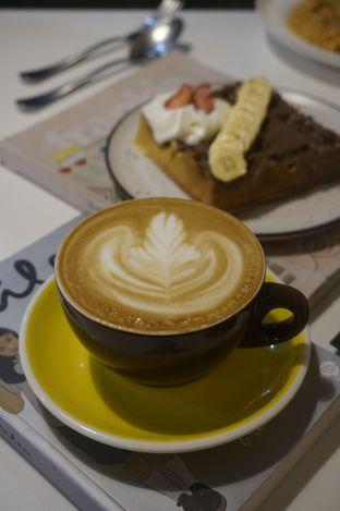 Foto 2 - Makanan di BROWNFOX Waffle & Coffee oleh yudistira ishak abrar