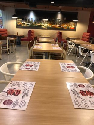 Foto 2 - Interior di WB Steak oleh Riani Rin