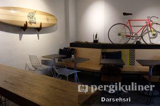 Foto 5 - Interior di 7 Speed Coffee oleh Darsehsri Handayani