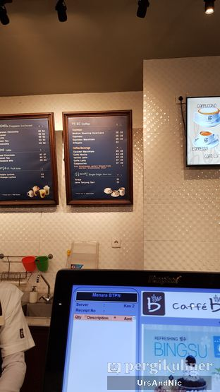 Foto 7 - Interior di Caffe Bene oleh UrsAndNic