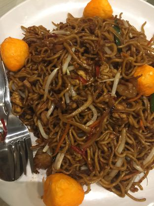 Foto 2 - Makanan di Furama - El Royale Hotel Jakarta oleh stphntiya