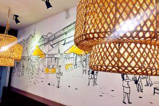 Foto 4 - Interior di Pak Qomar - Bebek & Ayam Goreng oleh Astrid Huang   @biteandbrew