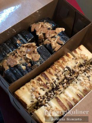 Foto 1 - Makanan(Roti kane biskuit susu & Roti Nougat Meses) di ROKUM oleh Patsyy