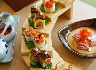 Rumput Plastik yang Diselipkan Pada Sushi Punya Manfaat Penting, Benarkah?