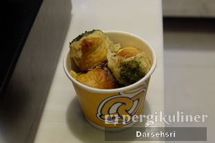Foto 2 - Makanan di Auntie Anne's oleh Darsehsri Handayani