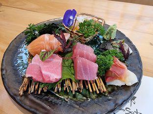 Foto 2 - Makanan(Sashimi moriawase) di Furusato Izakaya oleh Vising Lie