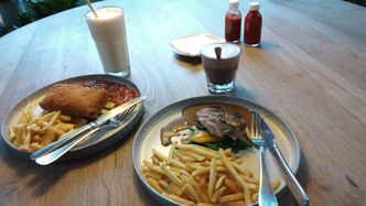 Foto Makanan di Dakken
