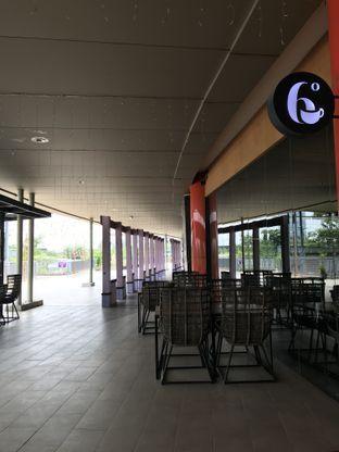 Foto 6 - Interior di Six Degrees oleh Annisa Putri Nur Bahri