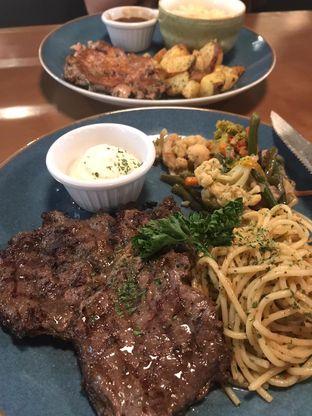 Foto review Collin's oleh Olivia @foodsid 1
