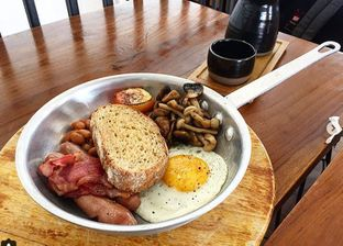 Foto - Makanan di Simetri Coffee Roasters oleh Nyok Makan
