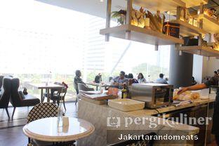 Foto 9 - Interior di Eric Kayser Artisan Boulanger oleh Jakartarandomeats