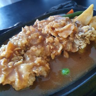 Foto review Waroeng Steak & Shake oleh Adhy Musaad 3