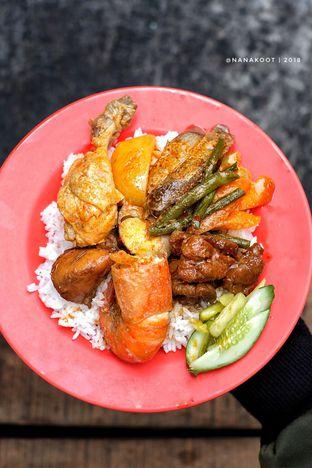 Foto 1 - Makanan di Nasi Campur Aliong 333 oleh Nanakoot
