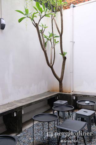 Foto 4 - Interior di Mala Coffee oleh Darsehsri Handayani