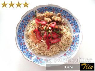 Foto 1 - Makanan di Bakmie Aloi Kalimantan oleh Tirta Lie
