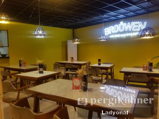 Foto 10 - Interior di Brouwen Coffee & Kitchen oleh Ladyonaf @placetogoandeat