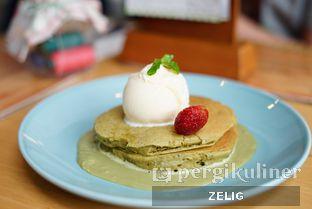 Foto 1 - Makanan(Olivia's Green Tea Pancake) di Nanny's Pavillon oleh @teddyzelig