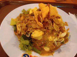 Foto - Makanan(Gado2 Lontong (IDR 38k)) di Gado - Gado Boplo oleh Renodaneswara @caesarinodswr