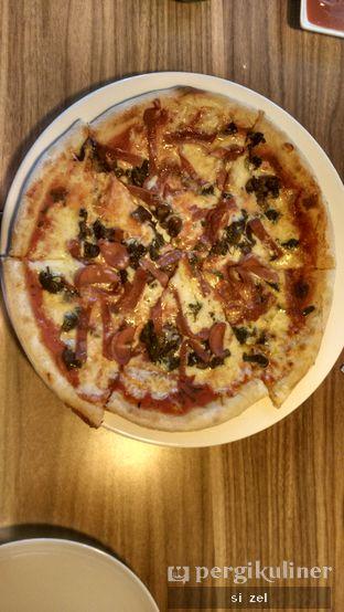 Foto 1 - Makanan di Iceberg Pizza & Gelato oleh Zelda Lupsita
